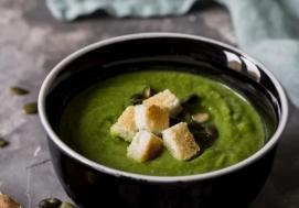 Bulion z pieczonych warzyw - zupa brokułowa