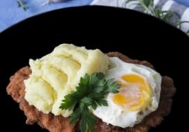Schab na smalcu z jajkiem sadzonym (4 porcje)