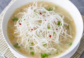 Rosół w stylu chińskim (4 porcje)