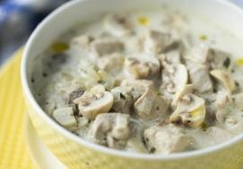 Zupa czosnkowa z kurczakiem (4 porcje)
